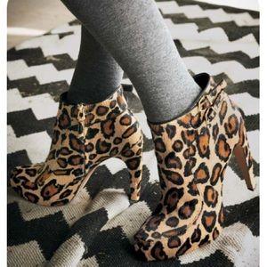 Sam Edelman leopard fur boots heels 8